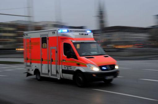 Bus kollidiert mit Auto – fünf Verletzte