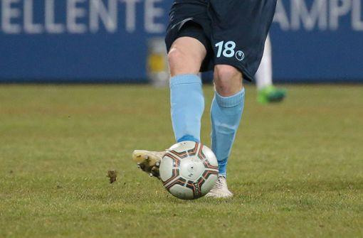 Die Stuttgarter Kickers haben gegen den Tabellenführer 1. FC Saarbrücken mit 1:2 verloren. (Symbolfoto) Foto: Pressefoto Baumann