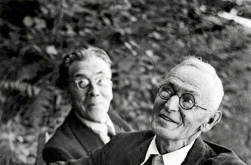 Wenige Tage vor Otto Hartmanns Tod ist dieses Foto in Montagnola entstanden. Es zeigt Hermann Hesse (vorne) und seinen Freund in gelöster Stimmung. Foto: Martin Hesse-Erbe ©