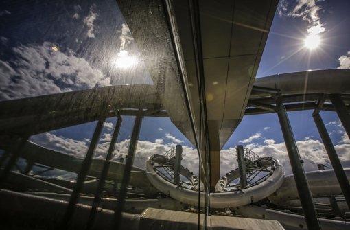 Blick auf eine der drei Rutschen im Fellbacher Hallenbad Foto: Leif Piechowski