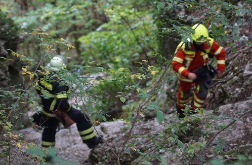Rettungskräfte mussten einen 15-Jährigen aus einer Höhle im Kreis Reutlingen befreien. Foto: SDMG