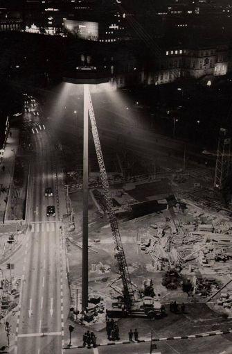 Bauarbeiten  im Jahr 1961 für einen neuen Verkehrsknotenpunkt: Der Charlottenplatz wird für Autos und Straßenbahnen  mehrfach untertunnelt. Foto: Kraufmann