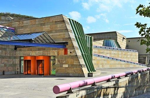 30 jahre neue staatsgalerie stuttgart james stirling ein for Neue architektur stuttgart