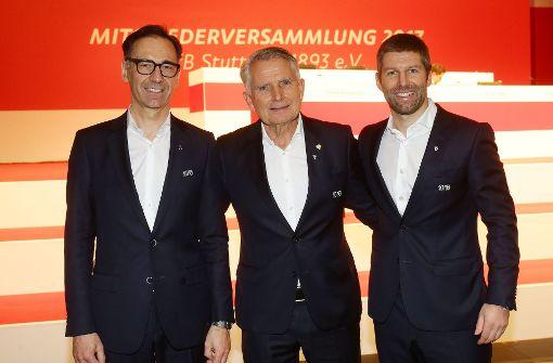 Bernd Gaiser (links) mit Wolfgang Dietrich (Mitte) und Thomas Hitzlsperger sind die neuen Bosse beim VfB Stuttgart. Foto: Pressefoto Baumann