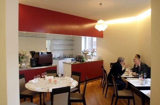 frank oehler von der speisemeisterei hohenheim auch f r ihn ist der zweite stern nicht das. Black Bedroom Furniture Sets. Home Design Ideas