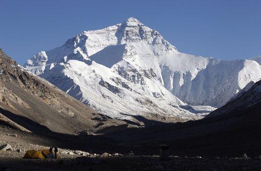 Blick auf das Tal des Schweigens auf 6000 Meter der Südseite des Everest. Foto: dpa