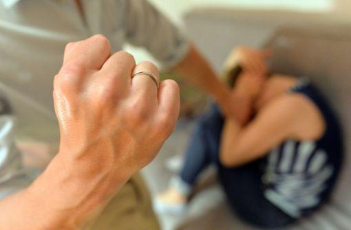 Mehr Fälle häuslicher Gewalt und Platzverweise