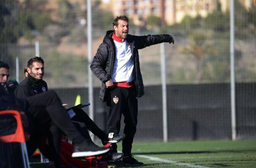 Trainer Markus Weinzierl mit klaren Ansagen von der Seitenlinie Foto: Pressefoto Baumann