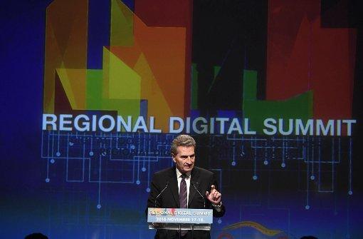Honorarkonsul stützt Oettinger in Flugaffäre