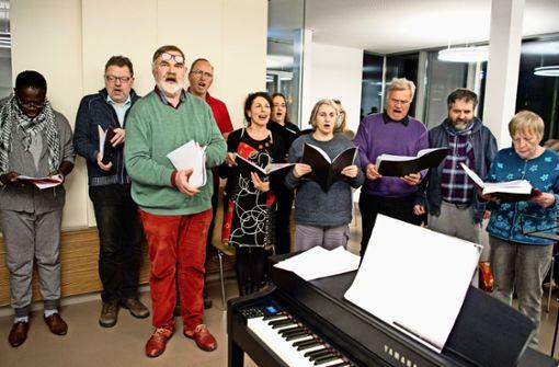 Ein Mal in der Woche ist Chorprobe. Das gemeinsame Singen tut allen gut. Foto: Lg/Willikonsky