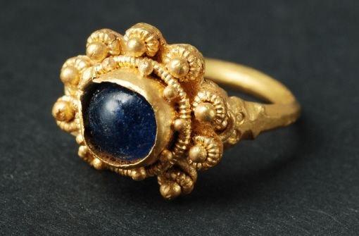 Archäologen graben Goldschatz aus