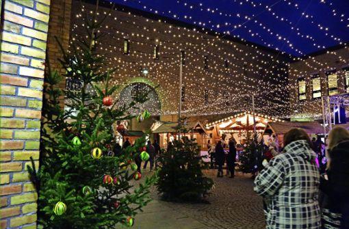 Sternenhimmel  beim Weihnachtsmarkt wächst