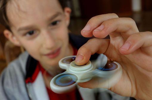 David mit seinem Fidget Spinner Foto: factum/Weise