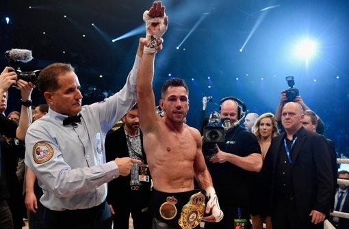 Zum WBA-Weltmeister nach Punktrichterentscheidung gekürt: Felix Sturm aus Leverkusen. Foto: Getty