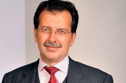 bHans-Jörg Vetter/bbrVorstandschef der LBBWbrSein Jahresgehalt wird zwar auf rund eine Million Euro geschätzt, in Stuttgart fing Vetter aber erst am 11. Juni 2009 an, deshalb taucht er in unserer Statistik mit b500.000 Euro/b auf. Foto: dpa