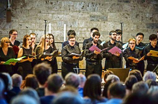 Die jungen Sänger sind mit Begeisterung bei der Sache. Foto: Lichtgut/Julian Rettig