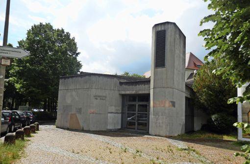 Die Lindenschulsporthalle ist in die Jahre gekommen. Die  Stadt nimmt die Sanierung nun in Angriff – aber die Umsetzung dauert. Foto: Elke Hauptmann