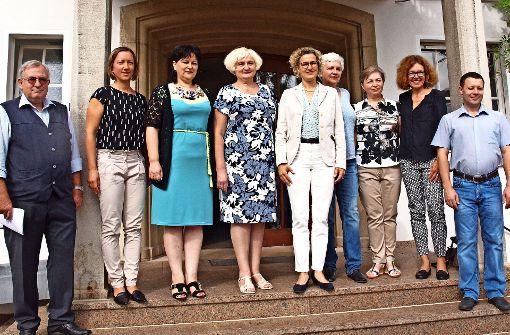 Die ukrainischen Gäste aus Poltawa werden im Rathaus von der Ersten Bürgermeisterin Eva Noller  (Mitte) empfangen. Foto: Cedric Rehman