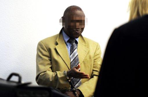 Seit mehr als vier Jahren muss sich vor dem Stuttgarter Oberlandesgericht ein zweifacher Familienvater aus Ruanda wegen Kriegsverbrechen im Kongo rechtfertigen Foto: dpa