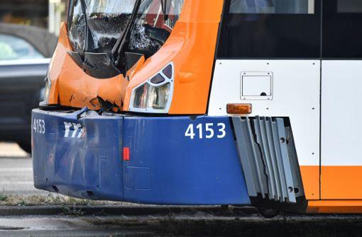 Straßenbahn-Unfall sorgt für Verkehrschaos