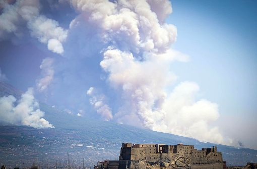 Rauchsäulen am Vesuv irritieren die Menschen