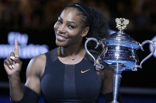 Schwangere Serena Williams posiert nackt auf Cover