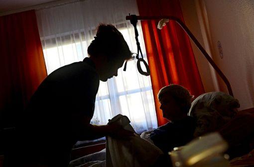 Der Pflegekonzern Alloheim mit Sitz in Nordrhein-Westfalen hat in vielen seiner 160 Heime Probleme. Foto: dpa