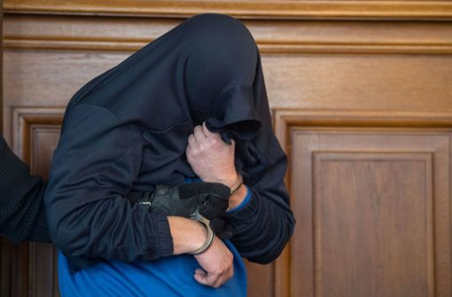 Therapeuten: Mutmaßlicher Dreifachmörder ist aggressiv