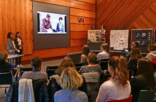 Die Präsentation der Studierenden  der Hochschule für Komunikation und Gestaltung   ist benotet worden.  In Wort und Farbe  – auch auf diese Weise   lässt sich werben. Foto: factum/Granville