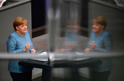 Angela Merkel verteidigt wachsenden Wehretat