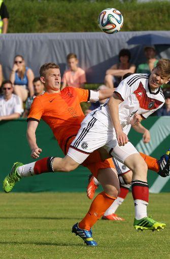 Der niederländische Innenverteidiger Matthijs de Ligt von Ajax Amsterdam debütierte schon in der A-Nationalmannschaft, obwohl er erst 18 Jahre alt ist.  Foto: Pressefoto Baumann