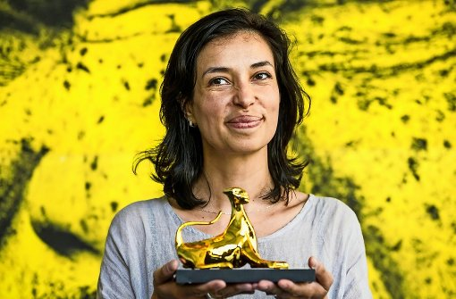 Die glückliche Siegerin: Ralitza Petrova mit ihrem Goldenen Leoparden Foto: AP