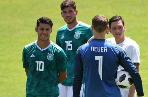 Geheimer Neuer-Test als U20-Torwart - Löw fordert mehr von Özil