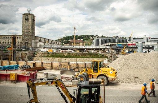 Der neue Tiefbahnhof – hier die Baustelle im Schlossgarten – wird nach heutigen Stand erst Ende 2023 in Betrieb gehen können. Das wären zwei Jahre später als geplant. Foto: Lichtgut/Leif Piechowski