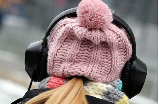 Eine 14-Jährige hat vermutlich wegen ihrer Kopfhörer in Weil am Rhein eine Straßenbahn nicht gehört (Symbolbild). Foto: dpa