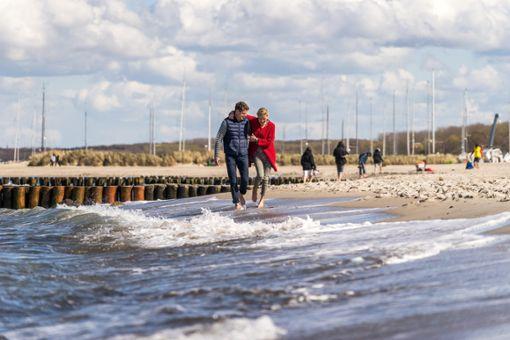 Im Frühjahr die Ostsee in vollen Zügen erleben  Foto: Flughafen Rostock-Laage-Güstrow GmbH