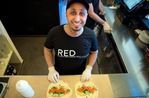 Khaled Alhussein (35) arbeitet gern im Red.  Foto: Lichtgut - Oliver Willikonsky
