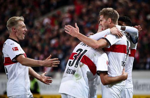 Jubelnde Spieler des VfB Stuttgart. Doch wie haben wir die einzelnen Akteure bewertet. Mehr dazu gibt es in unserer Bildergalerie. Foto: Bongarts