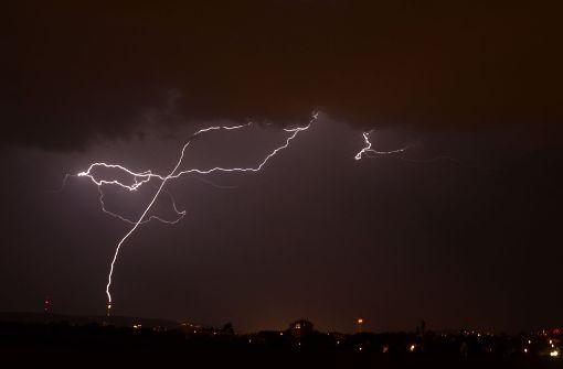 Gewitter-Front rollt auf Stuttgart zu