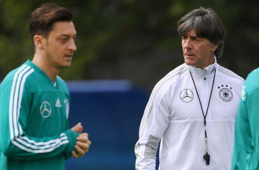 Jogi Löw stärkt Mesut Özil den Rücken