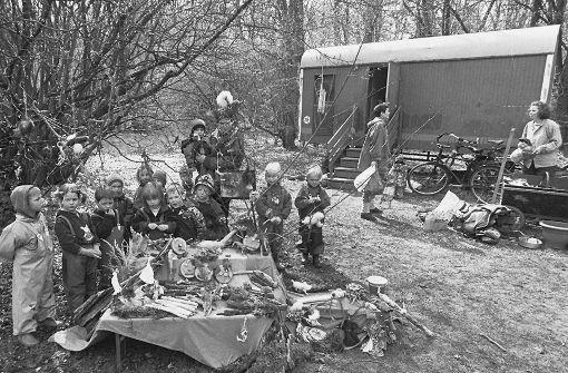 Am Anfang gab es für die Waldkindergartenkinder nur einen Bauwagen. Foto: Archiv