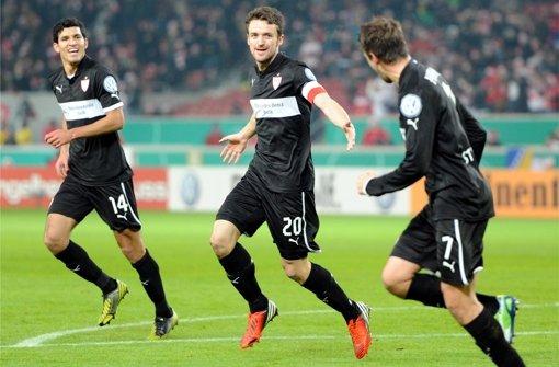 Maza (links, mit Christian Gentner und Martin Harnik) sagt dem VfB vermutlich noch in dieser Winterpause tschüß.... Foto: dpa
