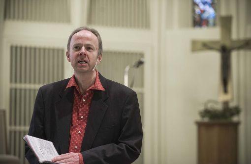 Pfarrer Ralf Vogel stellt sein Konzept Nachtschicht-Gottesdienst beim Kirchentag vor. Foto: Lg/Kovalenko