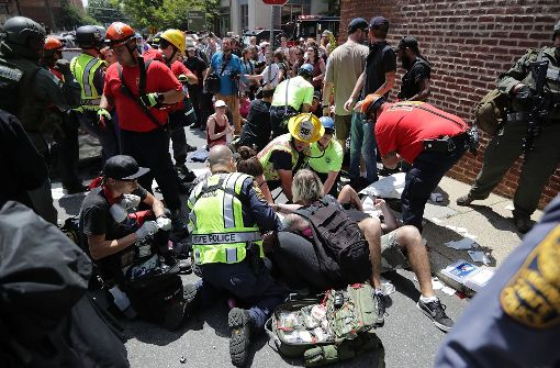 Auto rast in Menschenmenge – ein Toter