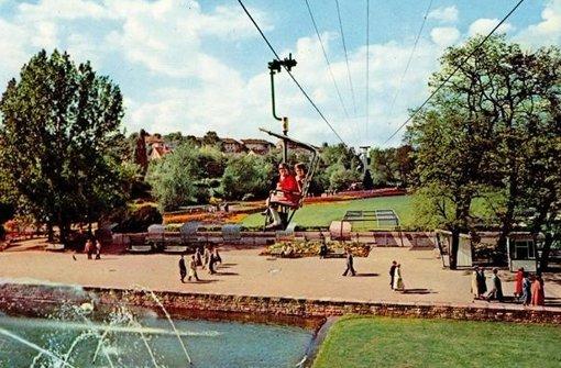 Beliebt vor allem bei Kindern: Die Sesselbahn des Killesberg, die von 1950 bis 1990 lief. Foto: Ekbiw Wi/Stuttgart-Album