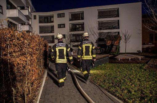 Hoher Schaden bei Brand in Mehrfamilienhaus