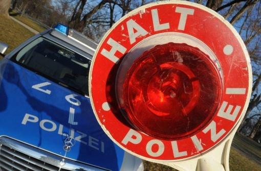 Wegen eines entlaufenen Lamas müssen bei Waiblingen die Bundesstraßen gesperrt werden. (Symbolbild) Foto: dpa/Symbolbild