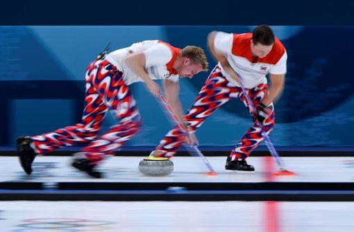 So feiern die Fans im Netz den Kult-Sport Curling
