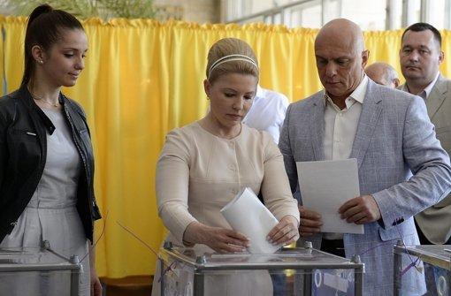 Im Westen kommen Wähler in Scharen