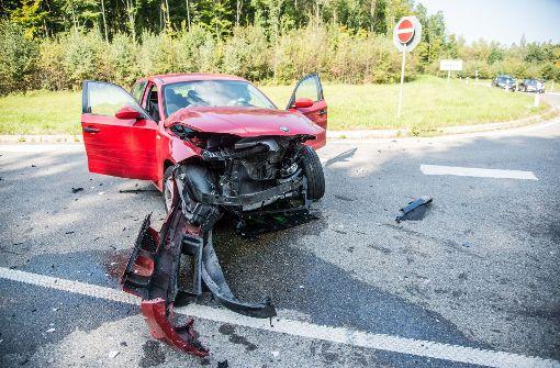Schwere Unfälle, ein Raubüberfall und Schüsse in die Luft